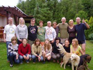 Grupa w komplecie - 16 uśmiechów + 2 merdające ogonki